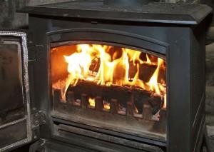 Медленное горение дров в печи