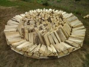 Укладка дров кругом